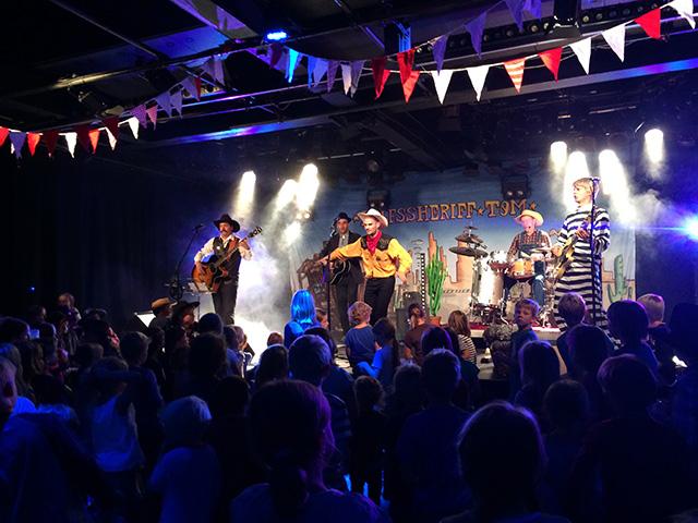 Hilfssheriff Tom Live an der Plattentaufe im Kiff Aarau am 20.09.2015
